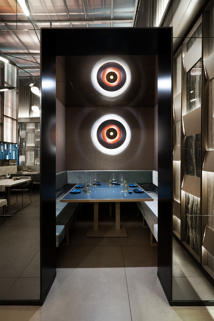 Interior view of Sushi Club, asian restaurant in Corbetta. Interior design by Lai Studio - Maurizio Lai Architects